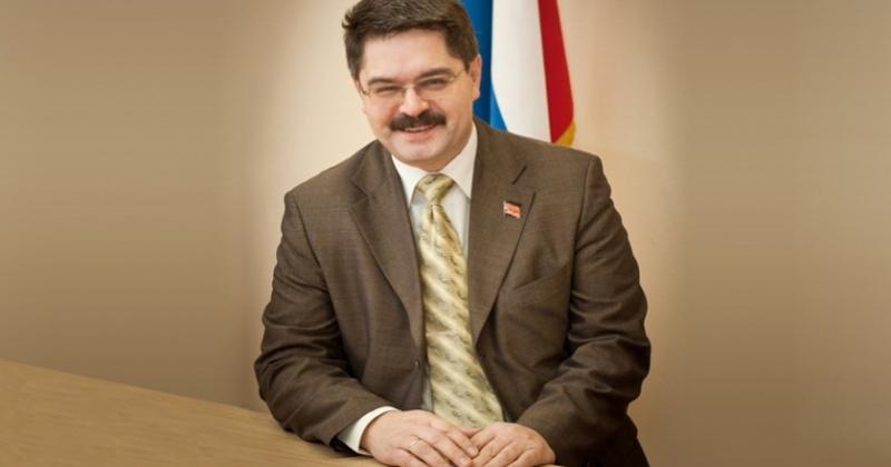 Анатолий Широков: Этот праздник возник в непростые для нашей страны годы, стал символом новой сильной России.