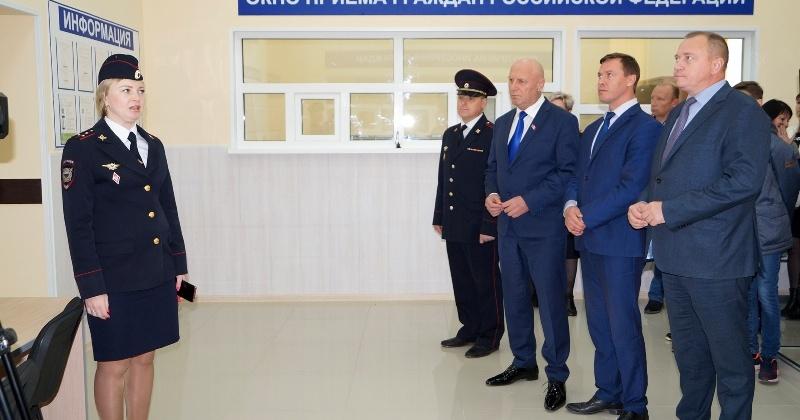 Александр Басанский принял участие в открытии нового миграционного пункта в поселке Палатка