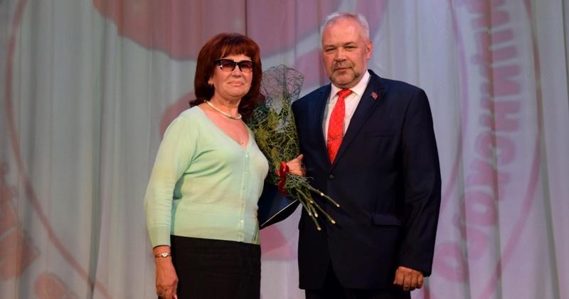 Колымские медики начали принимать поздравления с профессиональным праздником