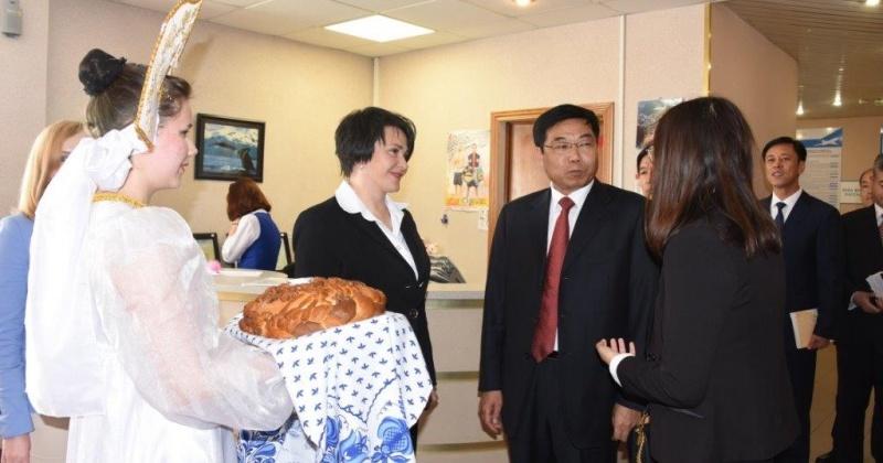 Магадан встречает гостей из Тунхуа и Шуанъяшань