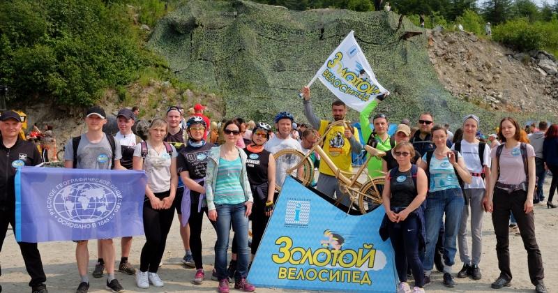 Экскурсия «Золотой велосипед», организованная туристским инфоцентром, получила большой отклик горожан