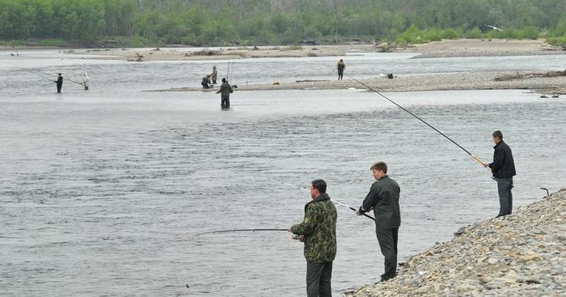 Полицейские Магаданской области установили гражданина, осуществлявшего незаконный лов лососевых