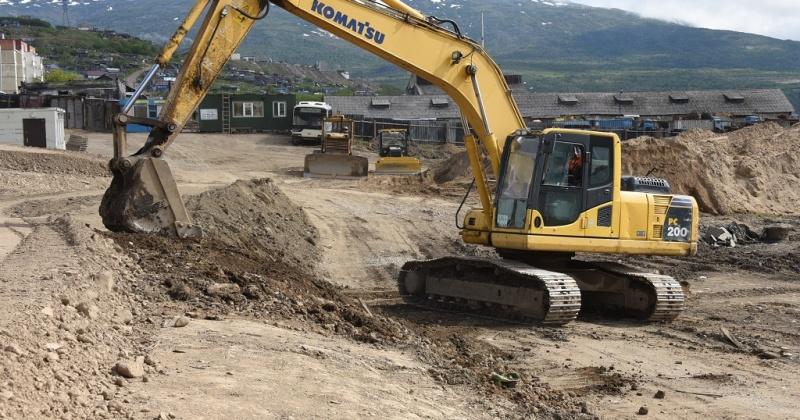 Специалисты из Иркутска проведут статические испытания свай на объекте по строительству бассейна в Магадане