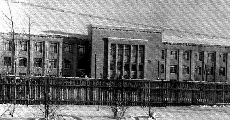 73 года  назад на базе зданий бывшего Колымского полка на Левом берегу организована Центральная больница УСВИТЛА в пос. Дебин