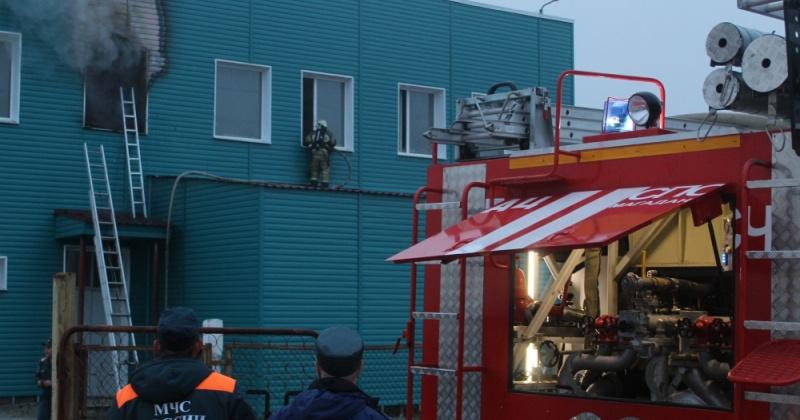 Магаданские пожарные ликвидировали загорание технологического здания