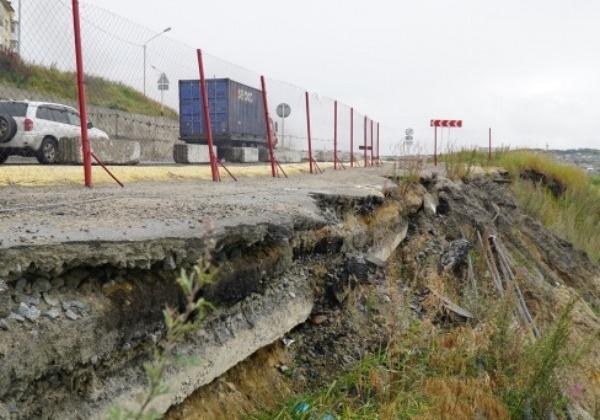 795 млн рублей выделит Правительство РФ на берегоукрепление Портового шоссе в Магадане