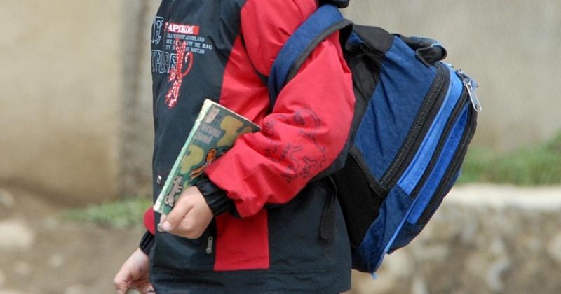 Магаданские судебные приставы проведут акцию «Собери ребенка в школу!»