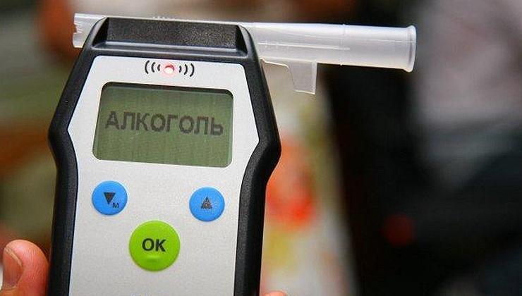 Восьмерых жителей Колымы страдающих алкоголизмом лишили водительских прав