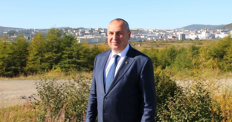 Мэр Магадана стал третьим среди глав дальневосточных городов июльского рейтинга «Медиалогии»