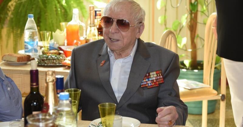 Магаданцу и ветерану Владимиру Сидорину исполнилось 92 года