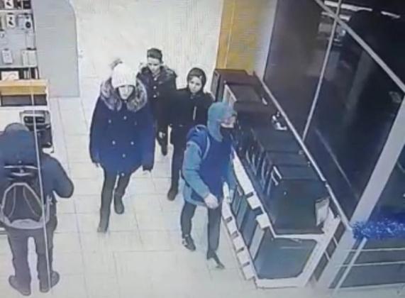 Четырёх несовершеннолетних магаданцев разыскивает уголовный розыск